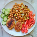 Vegan Recipe: Baked chickpeas with eggplant, cucumbers and tomatoes